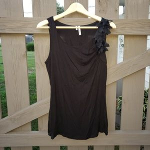 Studio Y  Black Top Size Large Sleeveless